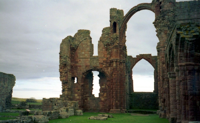 Picture of the remains of the priory at Lindisfarne