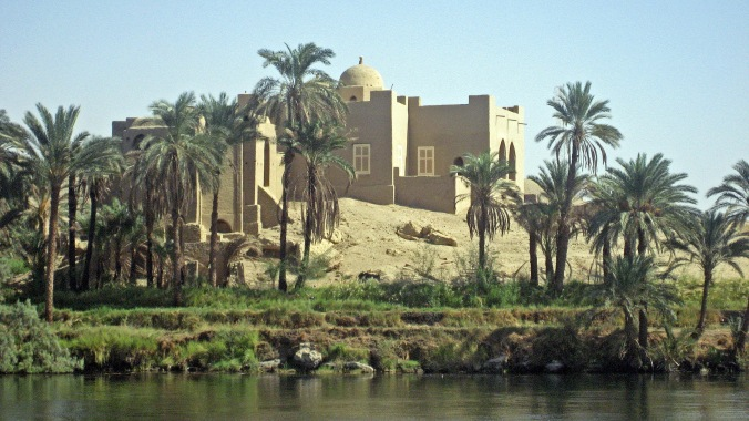 Picture of a mosque along the Nile in Egypt