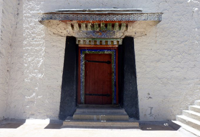 Picture of Potala Palace courtyard in Lhasa, Tibet
