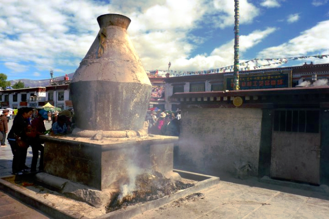 Picture of incense burner outside Jokhang Temple in Lhasa, Tibet
