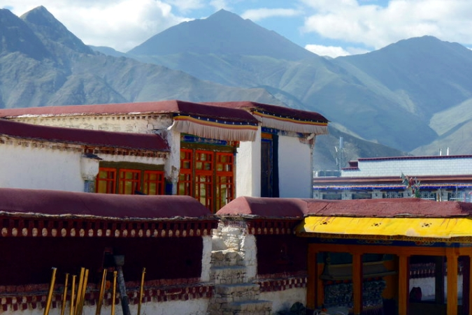 Picture of rooftop view on Jokhang Temple in Lhasa, Tibet