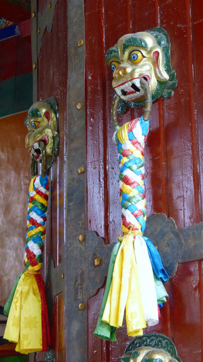 Picture of doorknockers at Norbulingka in Lhasa, Tibet