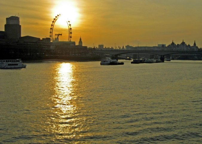 Picture of sunset over Thames and London Eye