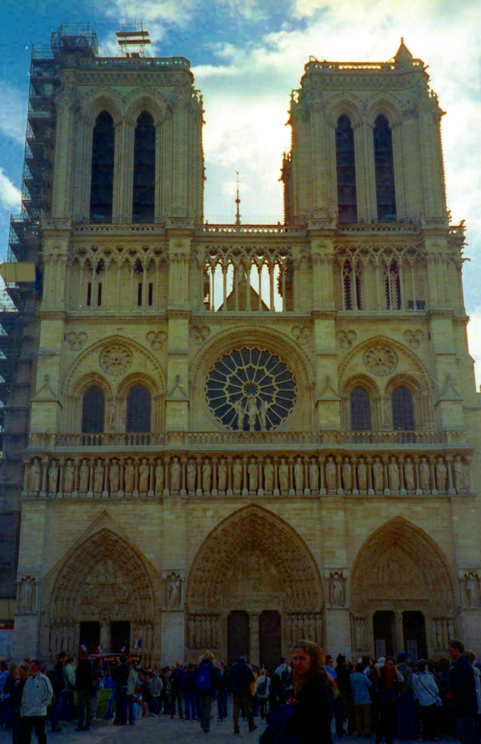 Picture of Notre Dame's west façade in Paris, France
