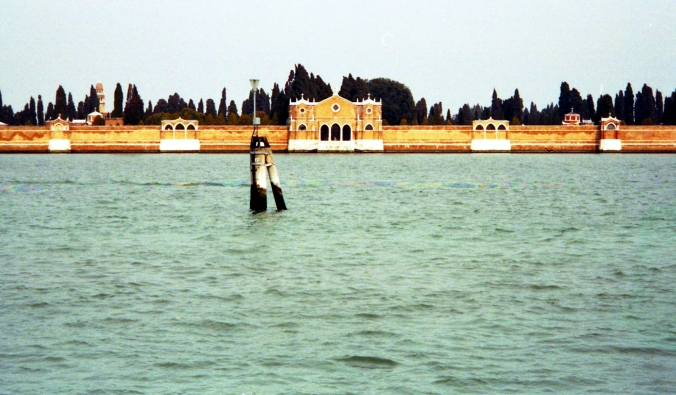 Picture of Isola di San Michele as seen from Venice, Italy