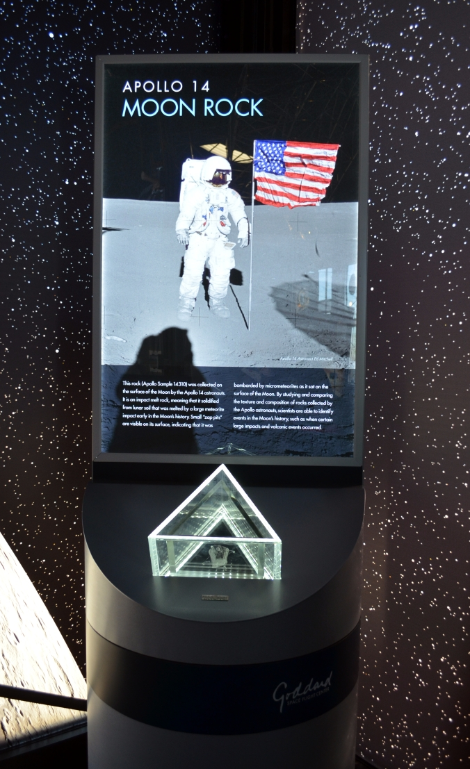 Picture of moon rock display at Goddard Space Flight Center in Greenbelt, Maryland