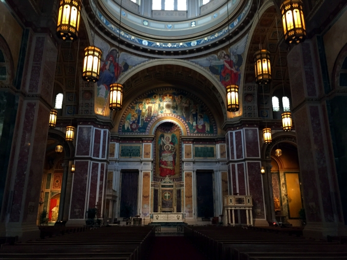 Picture of interior of the Cathedral of St Matthew the Apostle in Washington, DC, USA